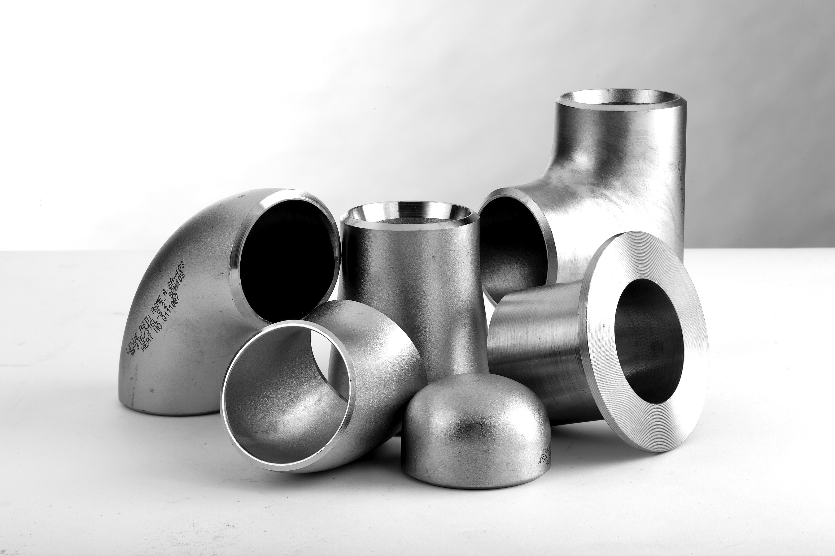ASME B16.9 SMLS BUTT WELDING  FITTINGS